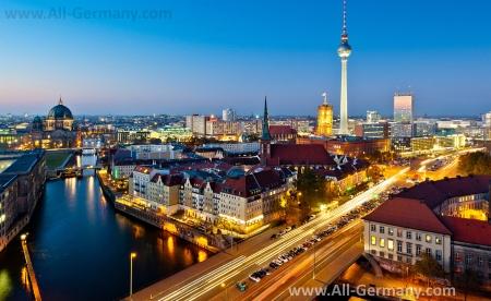 Красивый вид на ночной Берлин